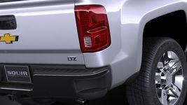 Chevrolet Silverado HD 2017 Image 4