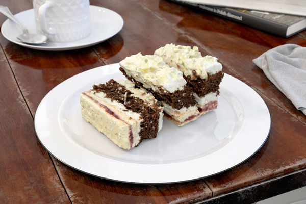 cake 10 AM150 Image 1