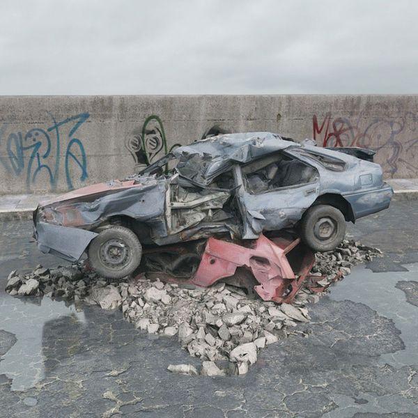 destroyed car 077 am165 Image 1